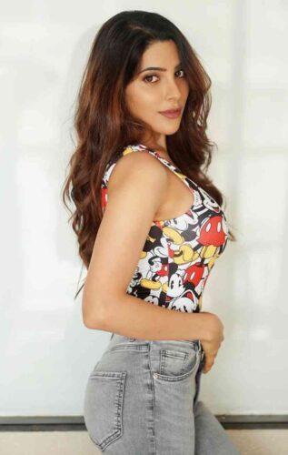 Nikki Tamboli Hot